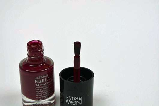 test nagellack catrice ultimate nail lacquer farbe 94 it s a very berry bash testbericht. Black Bedroom Furniture Sets. Home Design Ideas