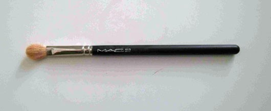 M·A·C 217 Blending Brush