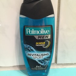 Produktbild zu Palmolive Men Revitalising Sport 2in1 Duschgel & Shampoo