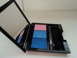 Produktbild zu Shiseido Luminizing Satin Eye Color Trio – Farbe: BL310 Pinky Blues