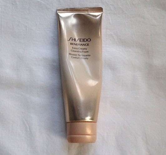 Shiseido Benefiance WrinkleResist24 Extra Creamy Cleansing Foam