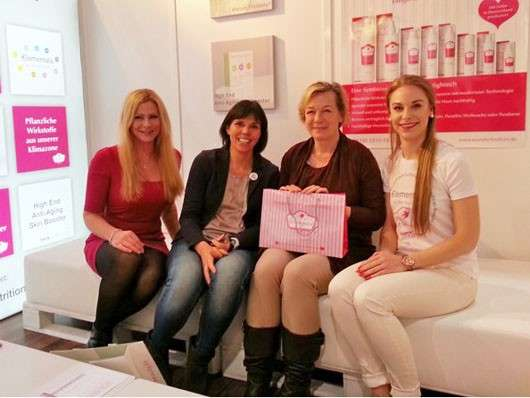 Frau Yu Besucht Die Beauty Messe Düsseldorf Pinkmelon