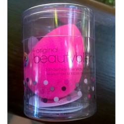 Produktbild zu beautyblender the ultimate make up sponge applicator