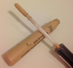Produktbild zu just cosmetics even & nude invisible touch concealer – 010 natural (LE)