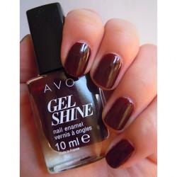 Produktbild zu AVON Gel Shine Nagellack – Farbe: Wine And Dine Me