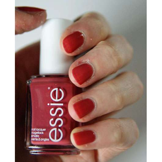 test nagellack essie nagellack farbe 24 in stitches. Black Bedroom Furniture Sets. Home Design Ideas