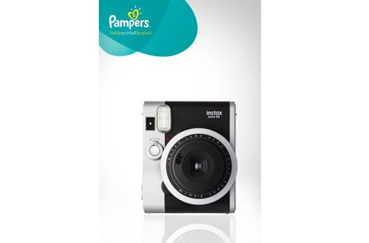 Einen Monatsvorrat Pampers Sensitive Feuchttücher und eine Fujifilm instax mini 90 NEO CLASSIC zu gewinnen
