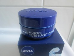 nivea pflegende gute nacht creme pinkmelon. Black Bedroom Furniture Sets. Home Design Ideas