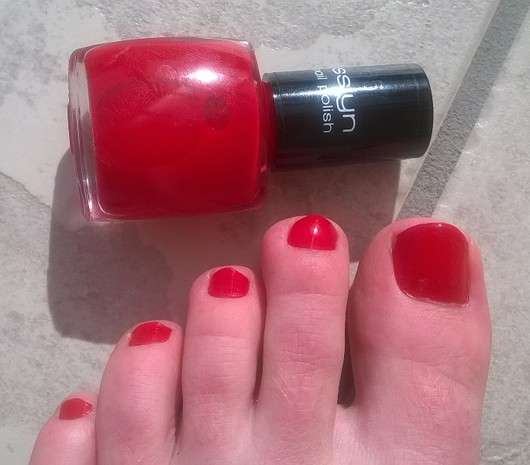 Misslyn nail polish, Farbe: 165 red hot