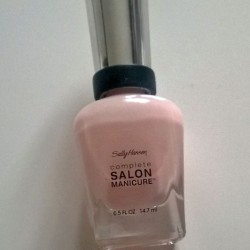 Produktbild zu Sally Hansen Complete Salon Manicure – Farbe: 160 Shell We Dance