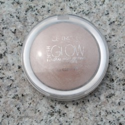 Produktbild zu Catrice High Glow Mineral Highlighting Powder – Farbe: 010 Light Infusion