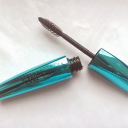 Produktbild zu MANHATTAN Supreme Lash Mascara Waterproof – Farbe: 1010N Black