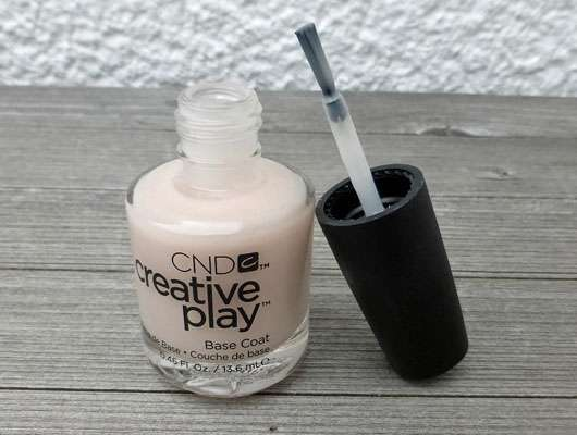 CND creative play Base Coat-geöffnet