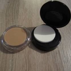 Produktbild zu Max Factor Miracle Touch Foundation – Farbe: 070 Natural