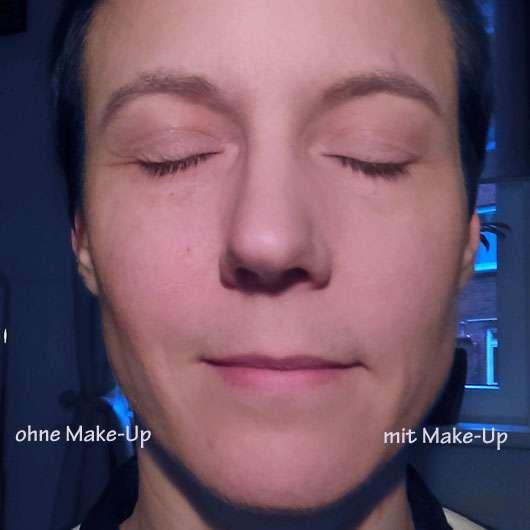 M. Asam Magic Mousse Make-Up - Gesicht halb geschminkt