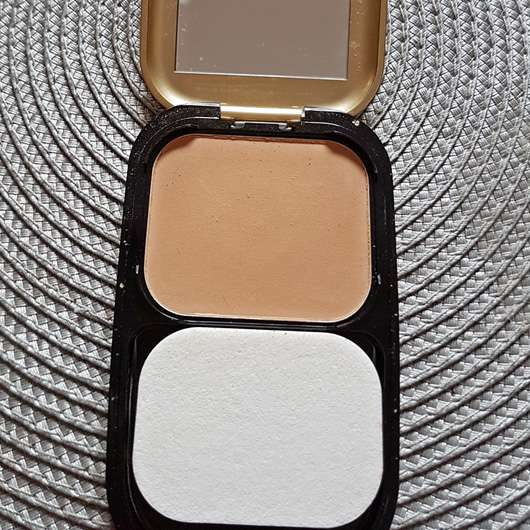 Max Factor Facefinity Compact Make-up, Farbe: 06 Golden