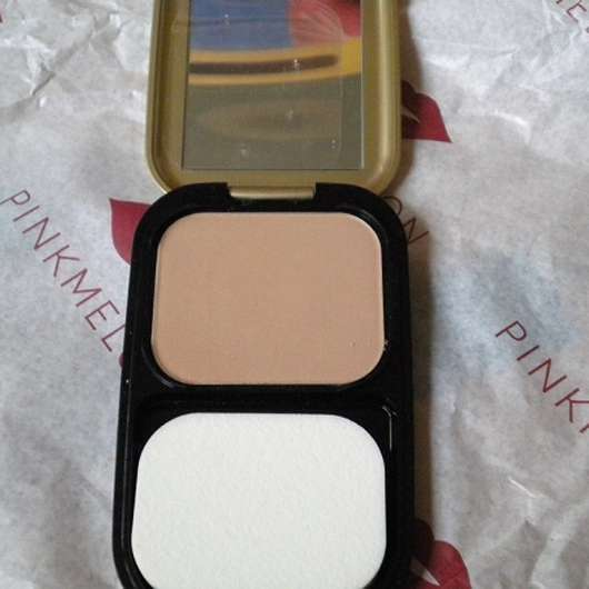 geöffnete Dose der Max Factor Facefinity Compact Make-up, Farbe: 03 Natural