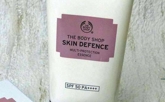 The Body Shop Skin Defence Multi-Protection Essence SPF 50 PA++++ - Tube