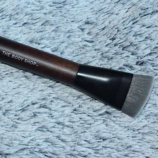 The Body Shop Contouring Brush
