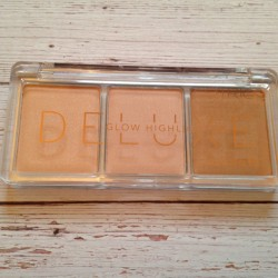Produktbild zu Catrice Deluxe Glow Highlighter – Farbe: 010 The Glowrious Three