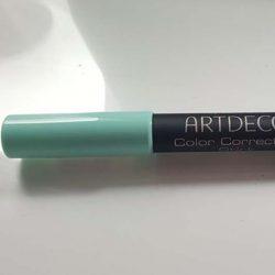 Produktbild zu ARTDECO Color Correcting Stick – Farbe: 2 Green (LE)