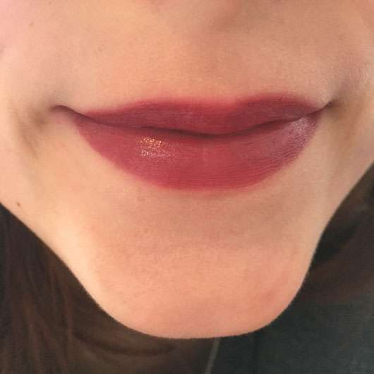 ASTOR Perfect Stay Fabulous Lipstick, Farbe: 301 For Fun auf den Lippen