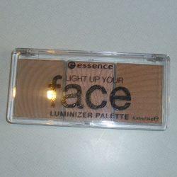 Produktbild zu essence light up your face luminizer palette – Farbe: 01 ready, set, glow!