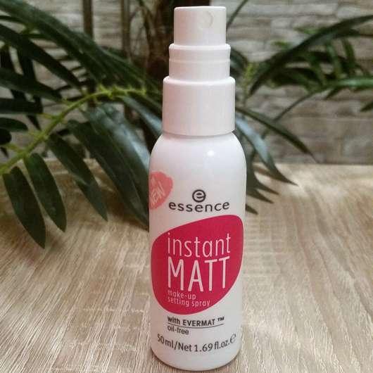 essence instant matt make-up setting spray