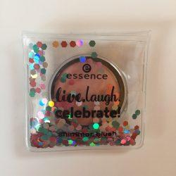 Produktbild zu essence live. laugh. celebrate! shimmer blush – Farbe: 01 rhythm of the night (LE)