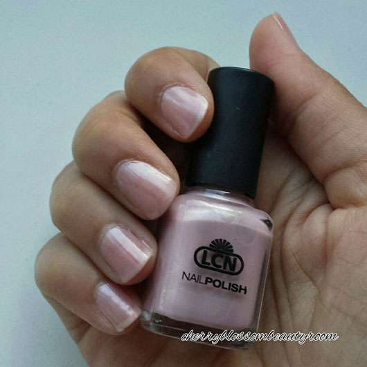 LCN Nail Polish, Farbe: forever your love (LE) - auf den Nägeln