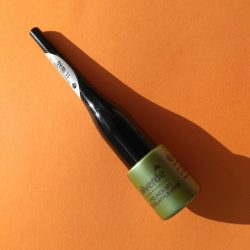 Produktbild zu alverde Naturkosmetik Eyeliner mit Kugelapplikator – Farbe: 10 black