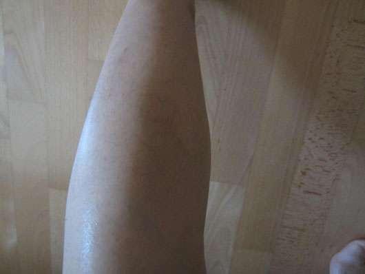 Dr. Hauschka Beintonikum (mit gratis Duschbalsam) - Beintonikum auf dem Bein