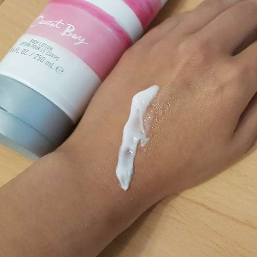 Hollister Crescent Bay Body Lotion Swatch
