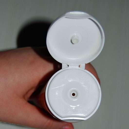lavera Vitalisierendes Duschgel mit Bio-Orange & Bio-Sanddorn - Tube Öffnung
