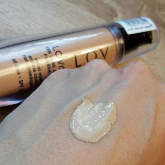 L.O.V LOVtime 18h Long Lasting Foundation, Farbe: 040 Honeymoon - Konsistenz