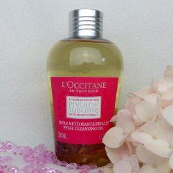 Produktbild zu L'Occitane Pivoine Sublime Reinigungsöl mit Blütenblättern