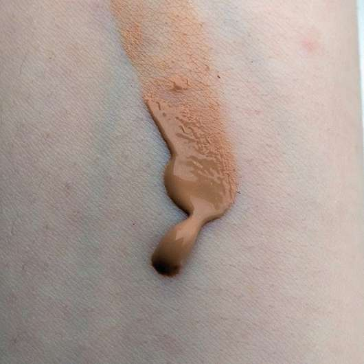 Alterra All-in-One Make-up, Farbe: 01 Nude - Swatch