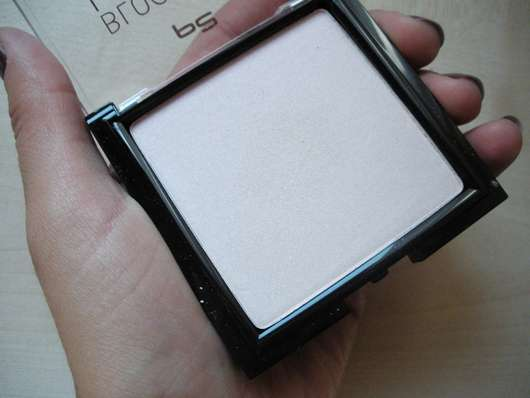 p2 blogger's loveys by designdschungel spectra light powder deluxe highlight + glow (LE) Nuance