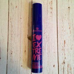 Produktbild zu essence I love extreme volume waterproof mascara – Farbe: black