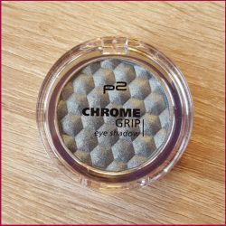 Produktbild zu p2 cosmetics chrome grip eye shadow – Farbe: 040 sky scraper