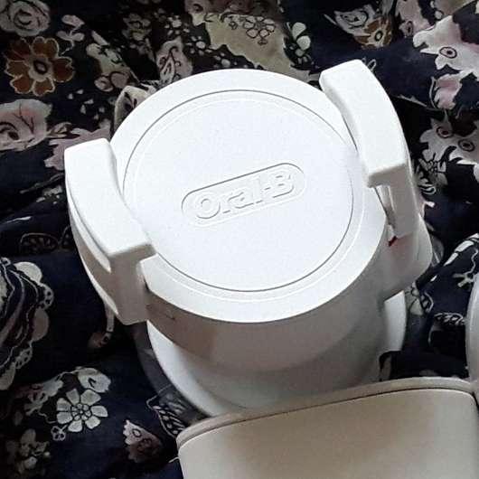 test zahnb rste oral b genius 9000 white elektrische zahnb rste testbericht von suppenhuhn. Black Bedroom Furniture Sets. Home Design Ideas