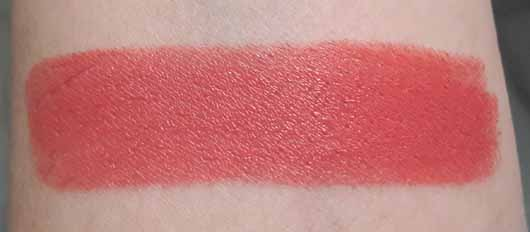 L.O.V LIPaffair Color & Care Lipstick, Farbe: 510 Silvia's Coral - Swatch
