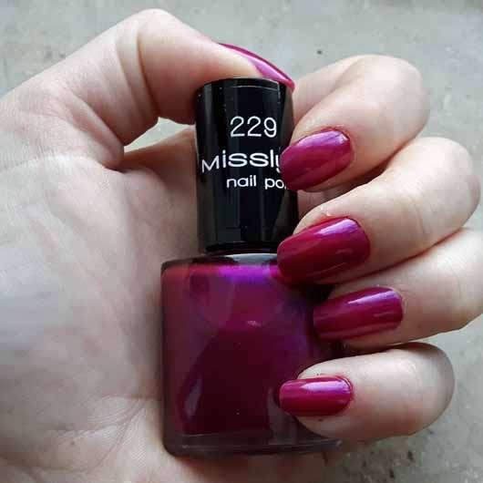 Misslyn nail polish, Farbe: 229 party on - auf den Nägeln aufgetragen