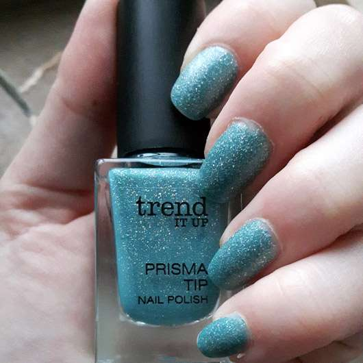 trend IT UP Prisma Tip Nail Polish, Farbe: 050 - Flasche und Lack auf den Nägeln