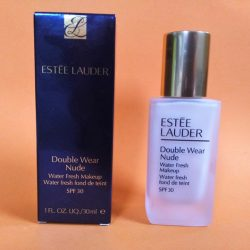 Produktbild zu Estée Lauder Double Wear Nude Water Fresh Makeup SPF 30 – Farbe: 1N0 Porcelain