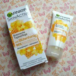 Produktbild zu Garnier SkinActive Botanische Tagespflege mit Blütenhonig