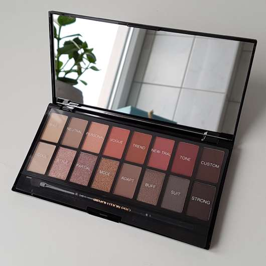 geöffnete Makeup Revolution Professional Eyeshadow Palette, Farbe: New-Trals vs Neutrals