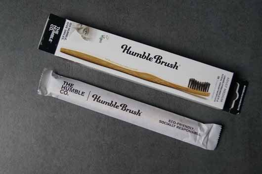 The Humble Co. Humble Brush Bambuszahnbürste (Mittel) - Verpackung