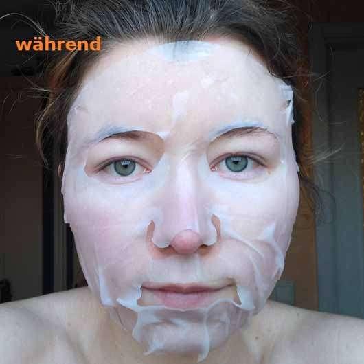 The Beauty Mask Company Strahlkraft Tuchmaske (für müde Haut) - Gesicht während der Anwendung