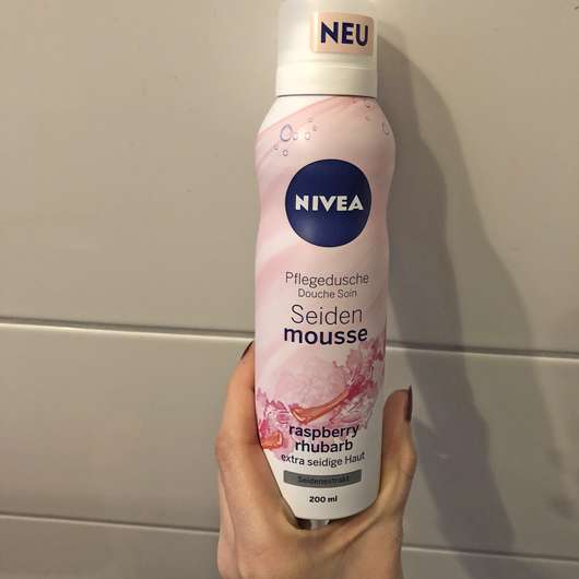 NIVEA Seiden-Mousse Raspberry Rhubarb Pflegedusche